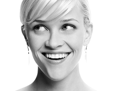 Reese-Witherspoon-black-and-white-profile-photo